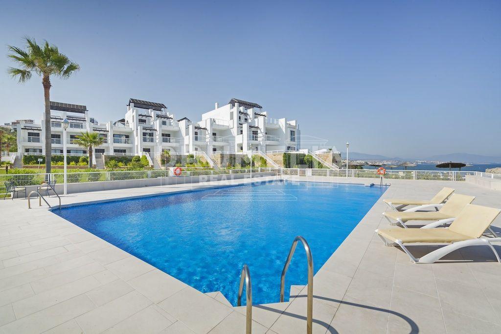Apartamentos en venta en casares playa casares - Venta apartamentos playa cullera ...
