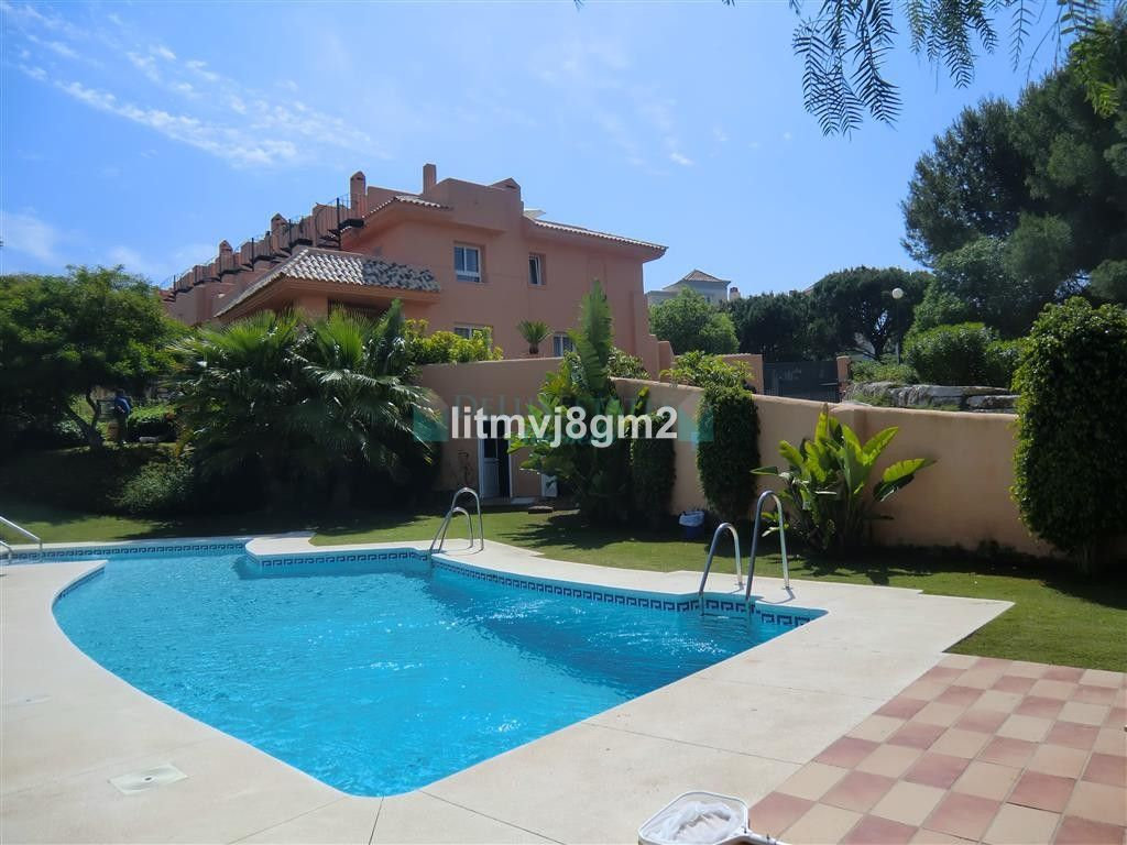 Town House for rent in  Cabopino, Marbella East