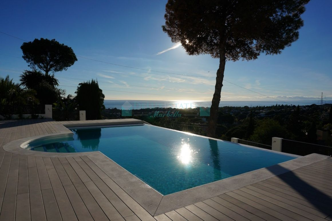 Villa for rent in  Elviria, Marbella East