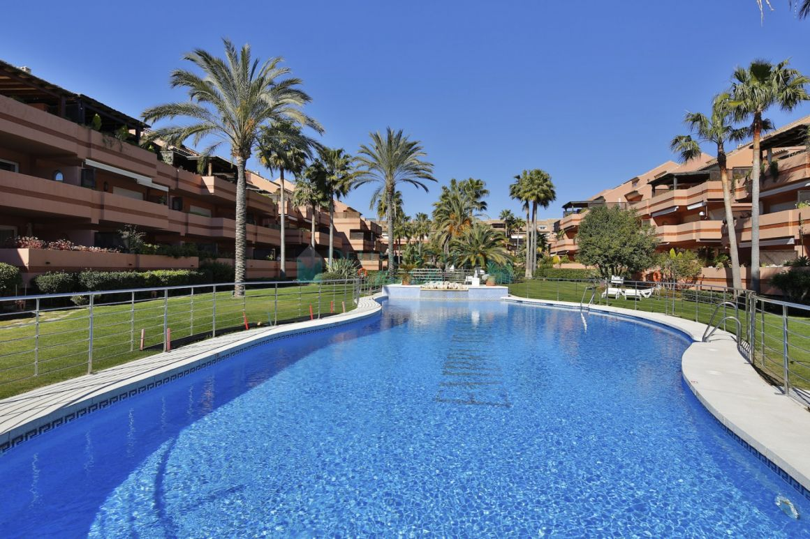 LOCATION, LOCATION, LOCATION! Splendid duplex penthouse in a luxury complex for sale at Puerto Banus, Costa del Sol