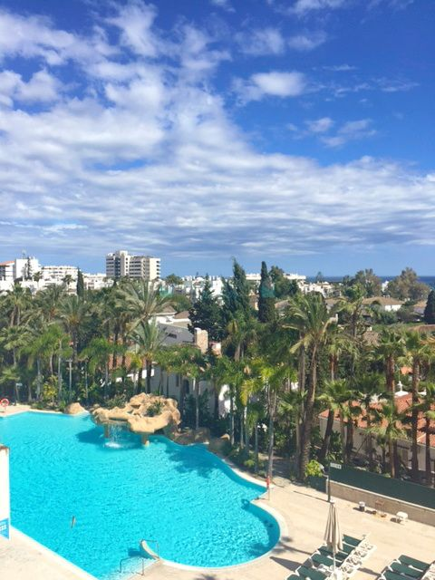 Opportunity, luxury apartment for sale at Guadalpin, Marbella Golden Mile, Costa del Sol