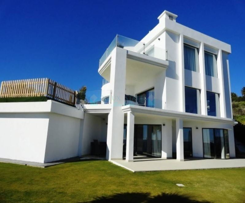 Modern style villa for sale in Manilva, Costa del Sol