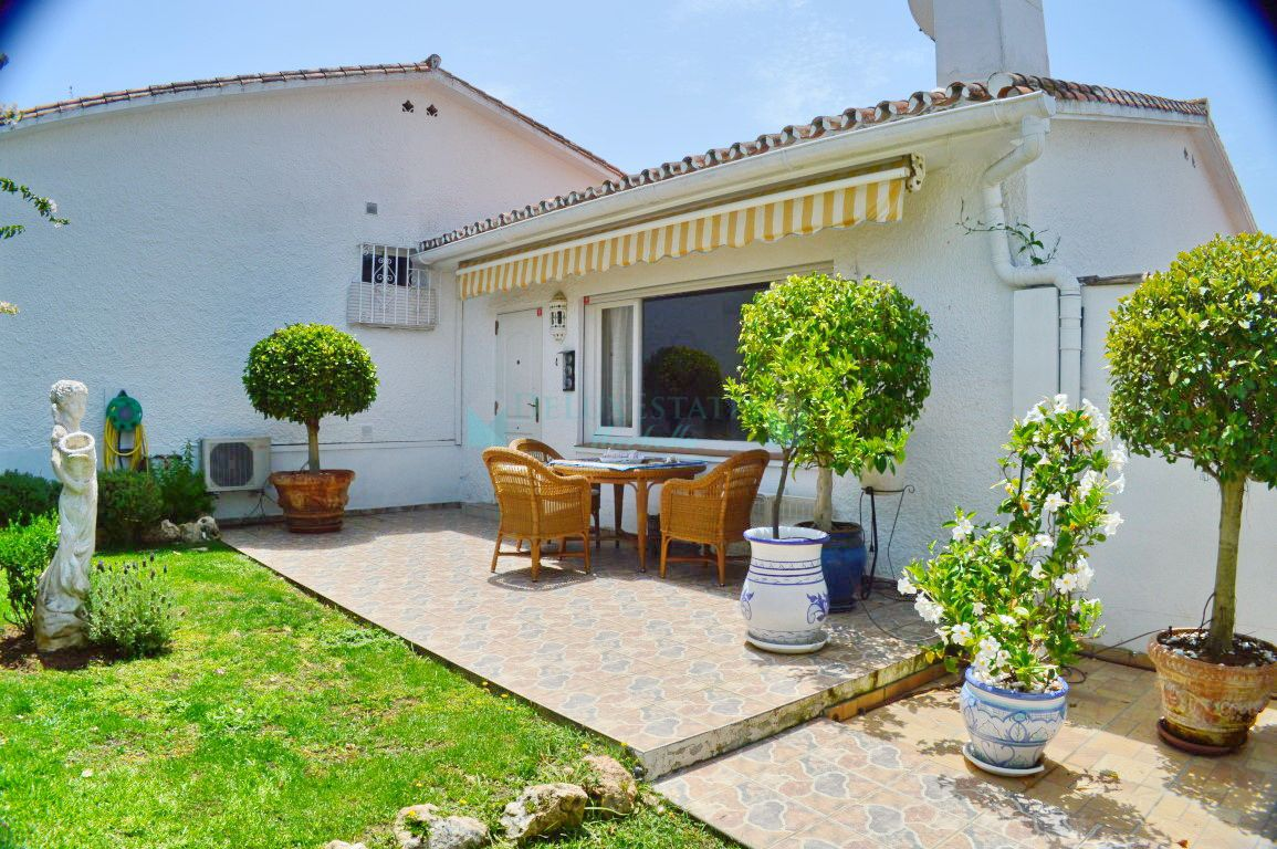 Modern bungalow for sale at Costabella, Marbella East, Costa del Sol