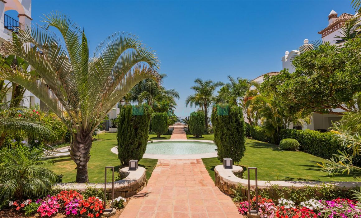 Quality duplex apartment for sale at Sierra Blanca, Marbella, Costa del Sol
