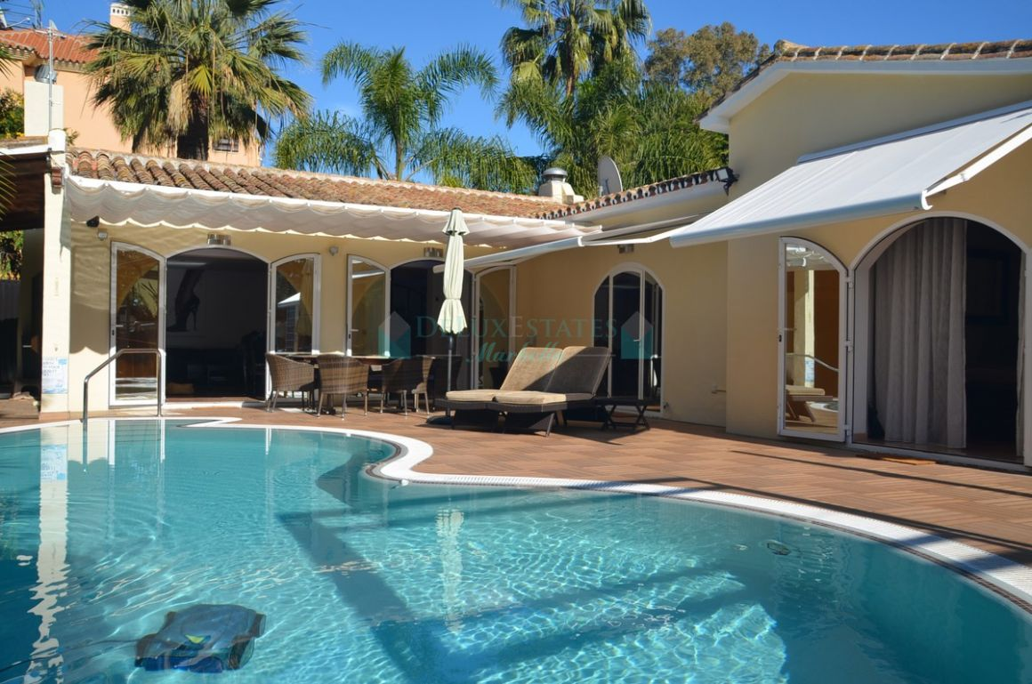 Villa for sale in  Carib Playa, Marbella East