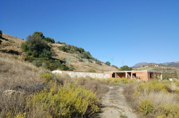 Industrial Land for sale in Estepona