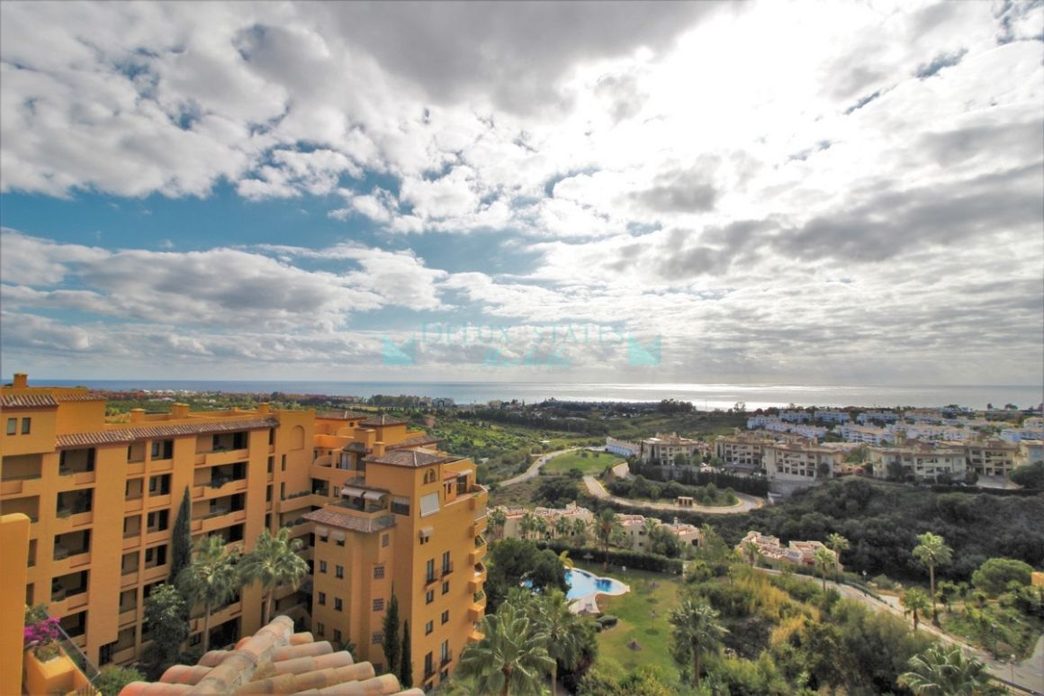 Penthouse for sale in  Selwo, Estepona