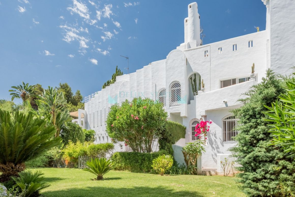 Semi Detached Villa for sale in Marbella Golden Mile