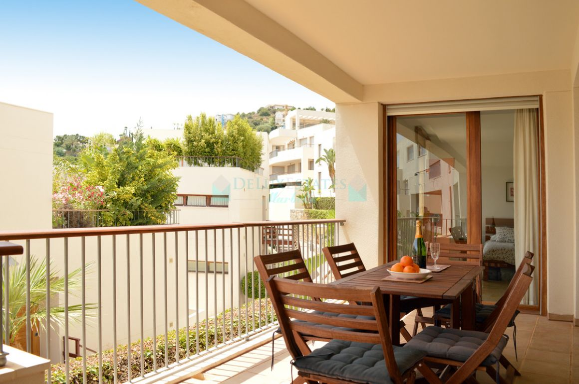 Ground Floor Apartment for sale in  Los Altos de los Monteros, Marbella East