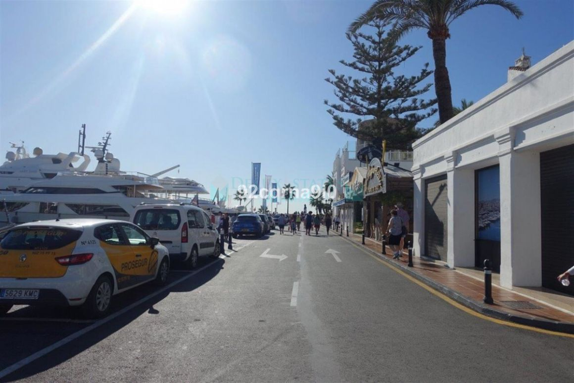 Shopping Centre for sale in Marbella - Puerto Banus