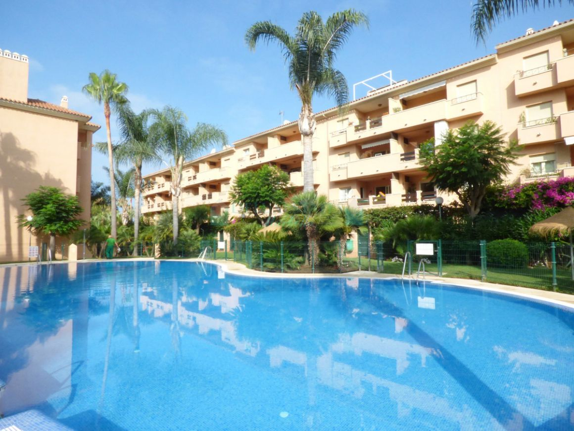 Apartment for sale in  Carib Playa, Marbella East
