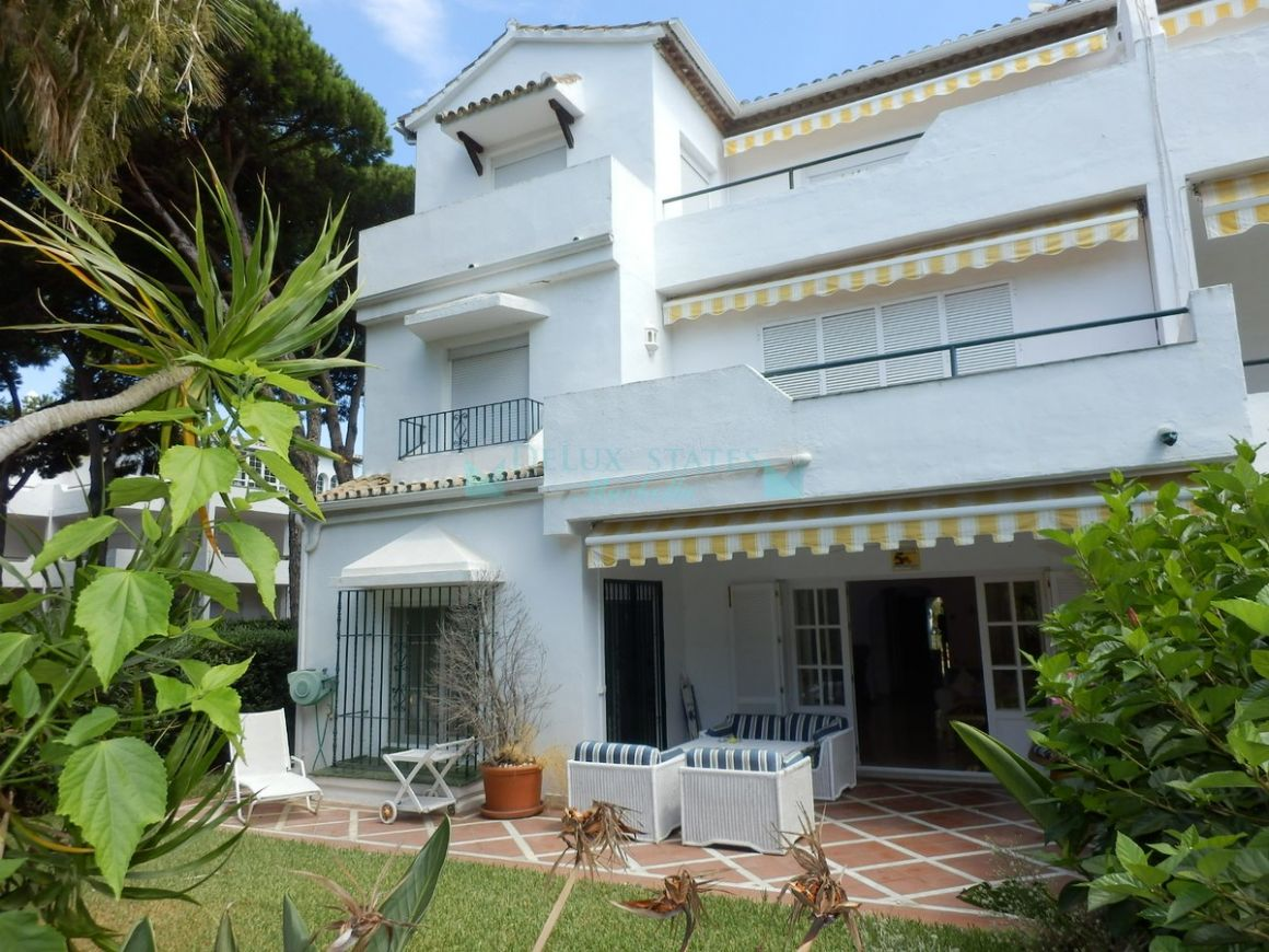 Ground Floor Apartment for sale in  El Presidente, Estepona