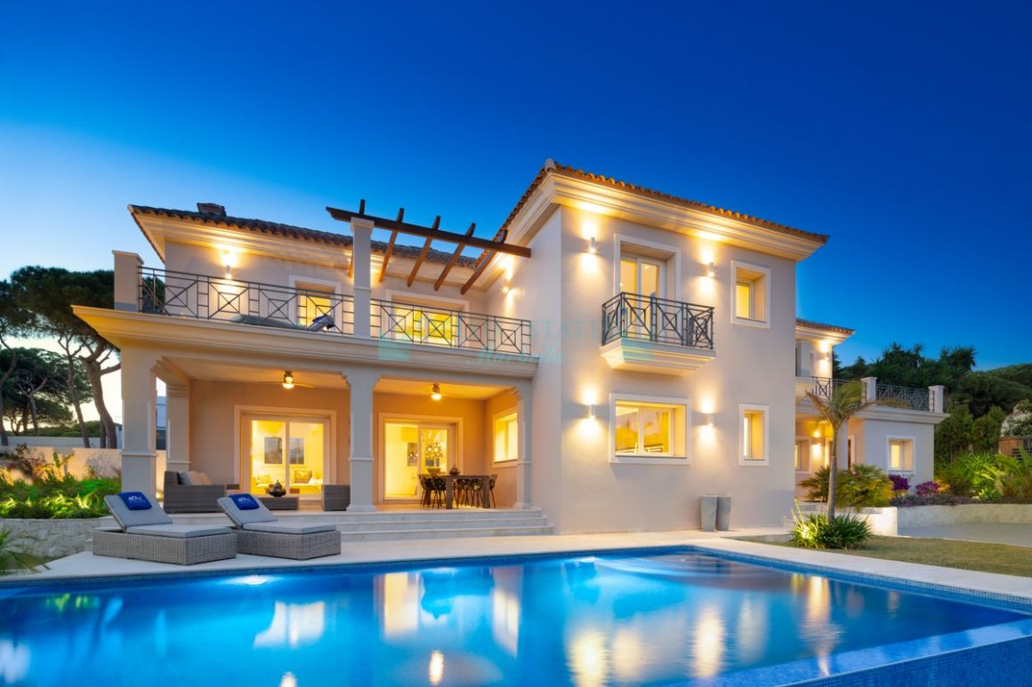 Villa for rent in  Marbesa, Marbella East