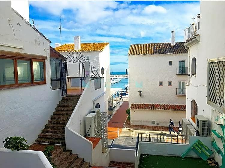 Apartment for sale in Marbella - Puerto Banus