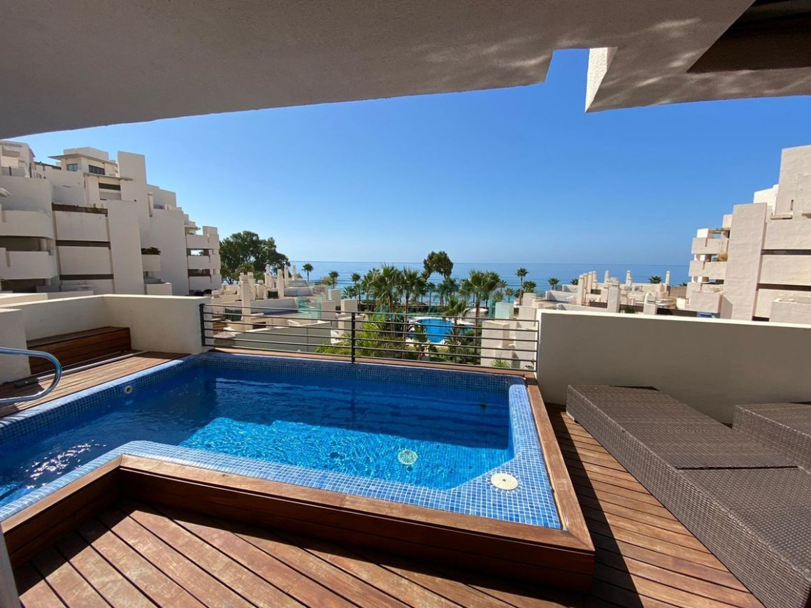 Penthouse for rent in Estepona