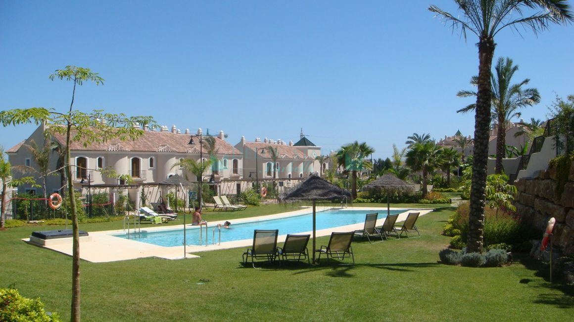 Town House for rent in  El Paraiso, Estepona
