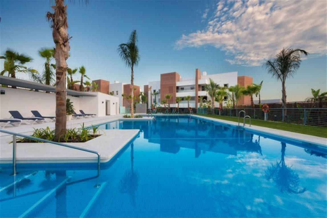 Ground Floor Apartment for sale in  Los Arqueros, Benahavis