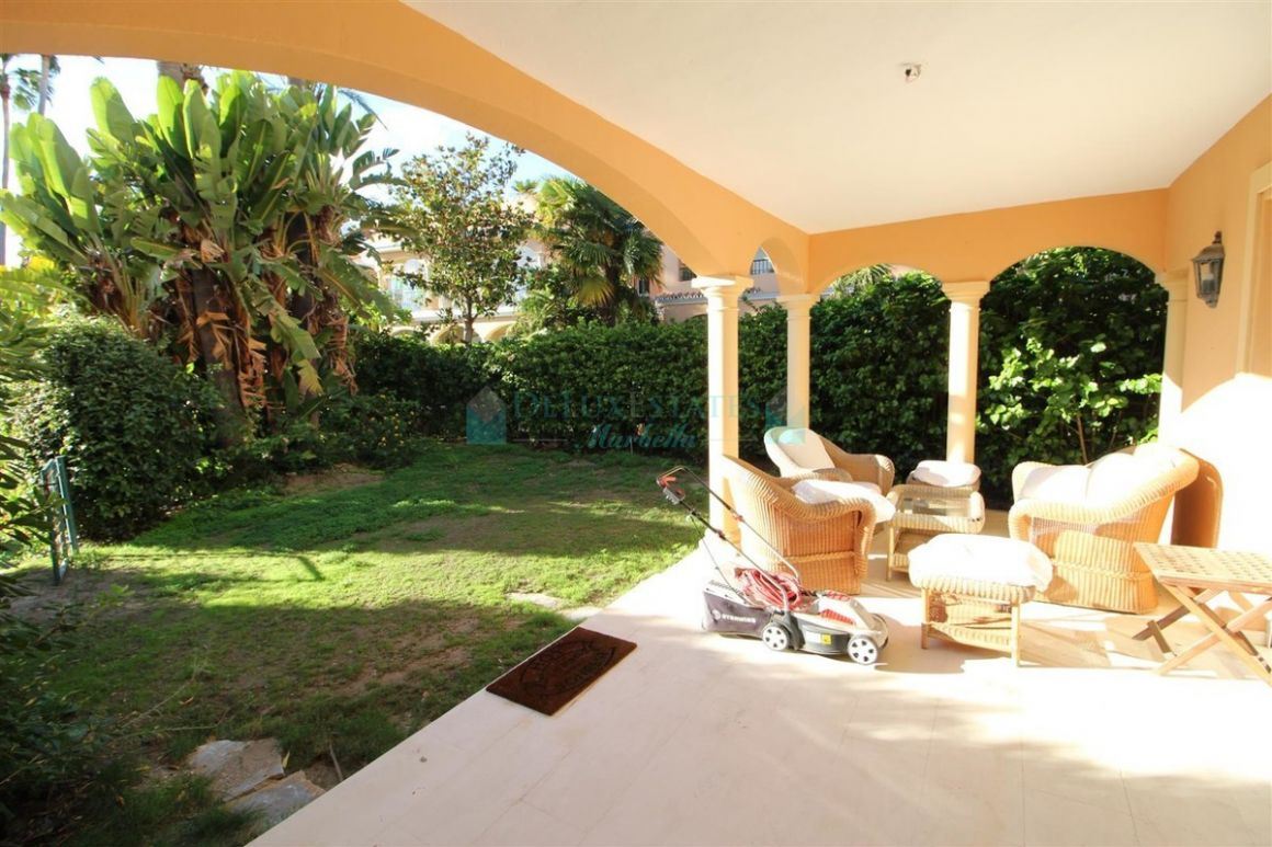 Town House for rent in  Benamara, Estepona