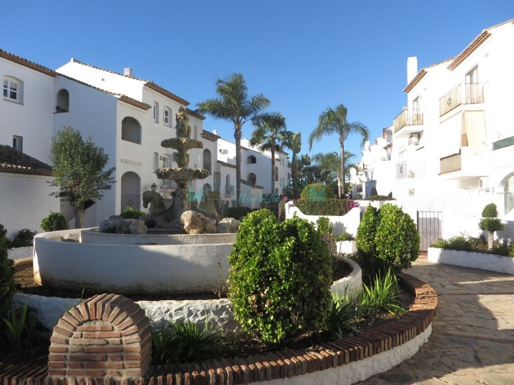Studio for sale in  Benavista, Estepona