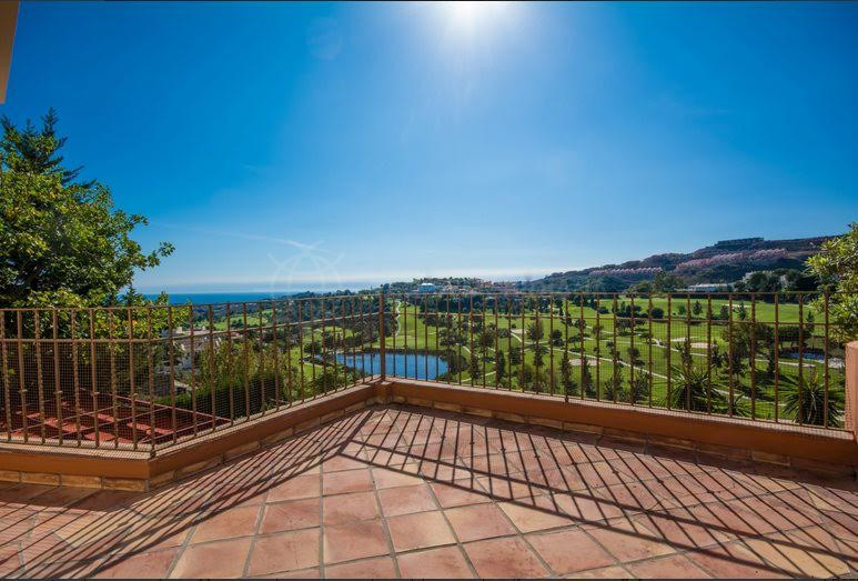 Benahavis, Newly built 5 bedroom Andalusian villa for sale in La Alqueria, with private pool and stunning golf and sea views