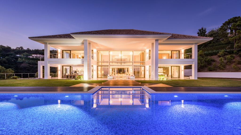 Benahavis, Contemporary new 7 bedroom luxury villa for sale in La Zagaleta, Benahavis with breathtaking sea views, private pool, spa and guest apartment