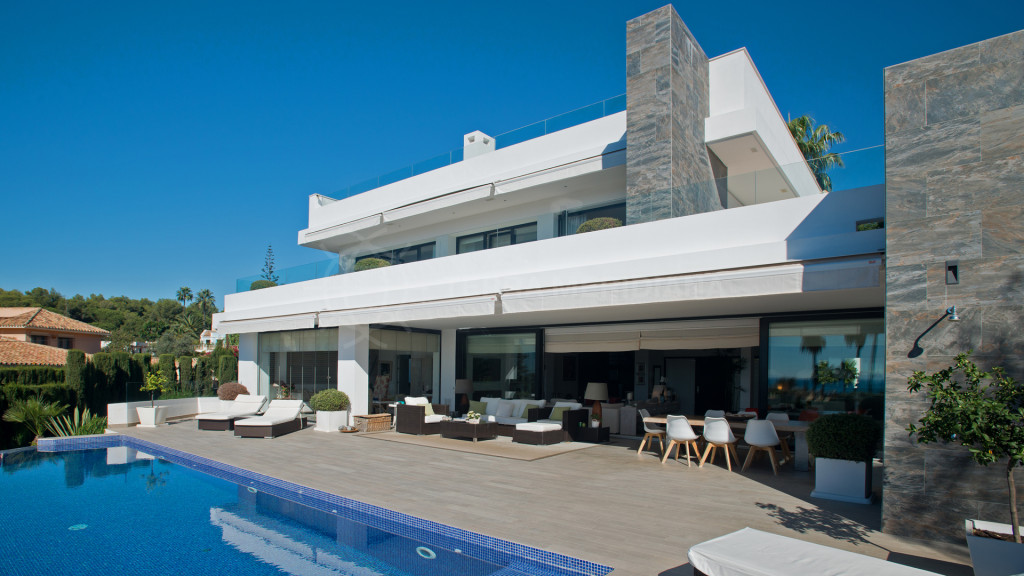 Marbella Golden Mile, Stunning new build modern villa for sale in Nagueles with sea views to Gibraltar