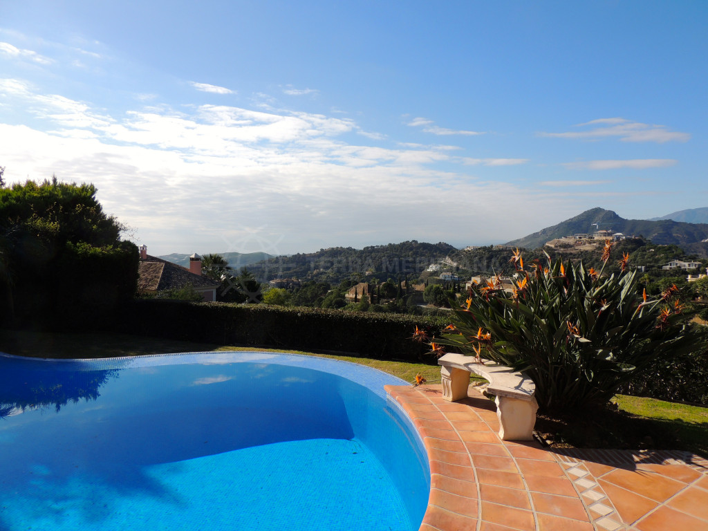 Benahavis, Charming 6 bedroom villa,located in the heart of La Zagaleta´s private estate, Benahavís, with sea and mountain views