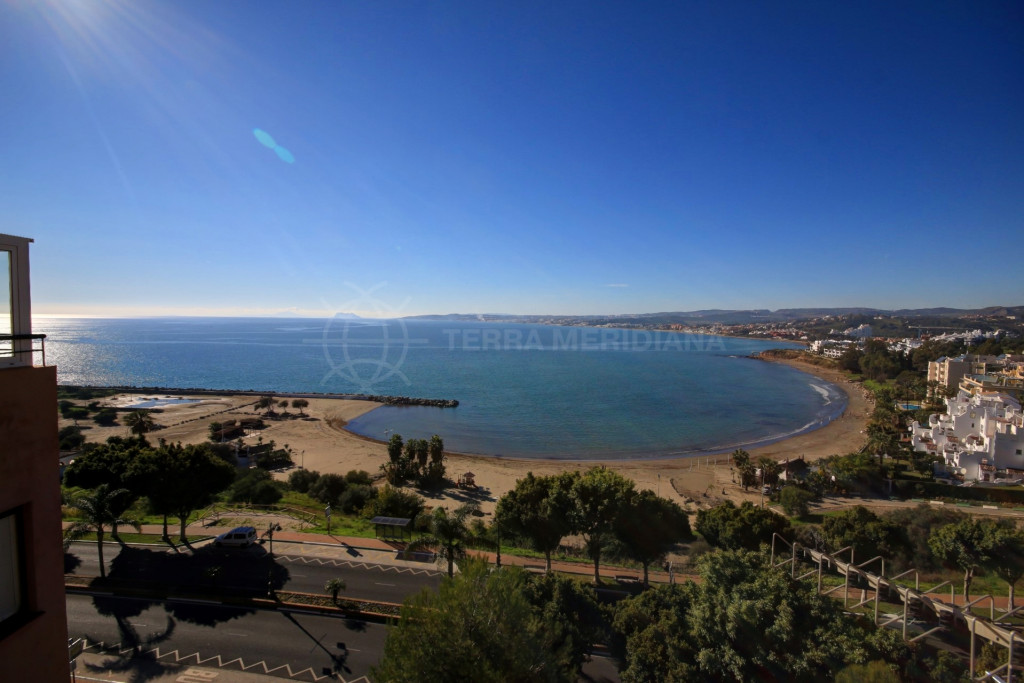 Estepona, Apartment for sale with spectacular views of the Mediterranean coast,  opposite main beach of Estepona.