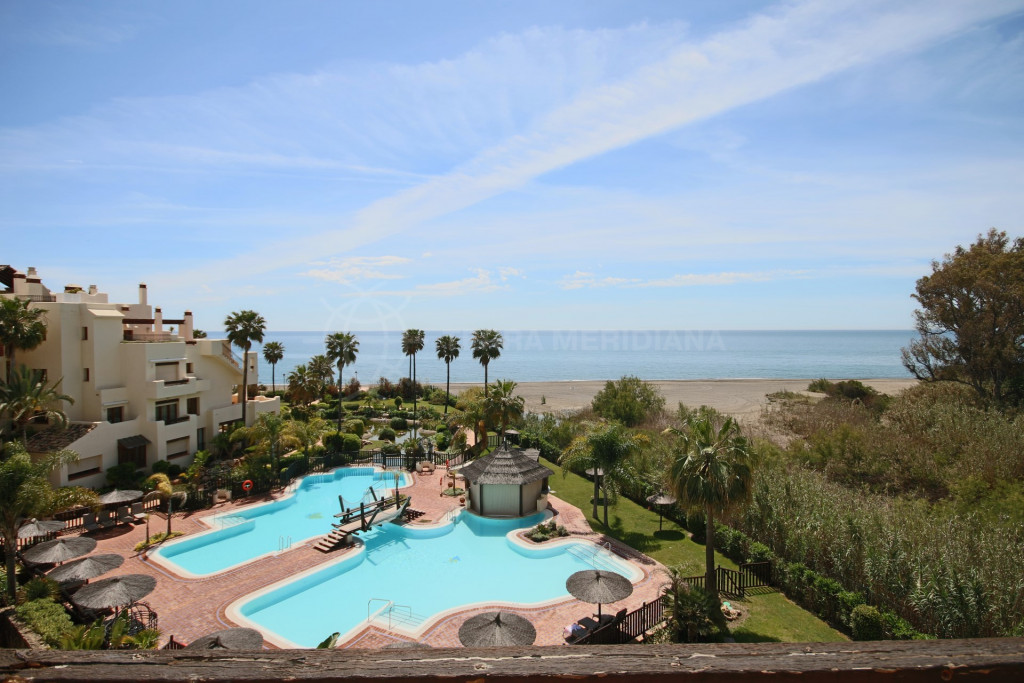 Estepona, Penthouse for sale in Bahia del Velerin, Estepona