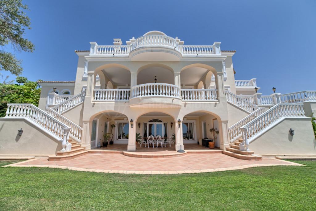 Вилла в Marbella Club Golf Resort, Бенахавис