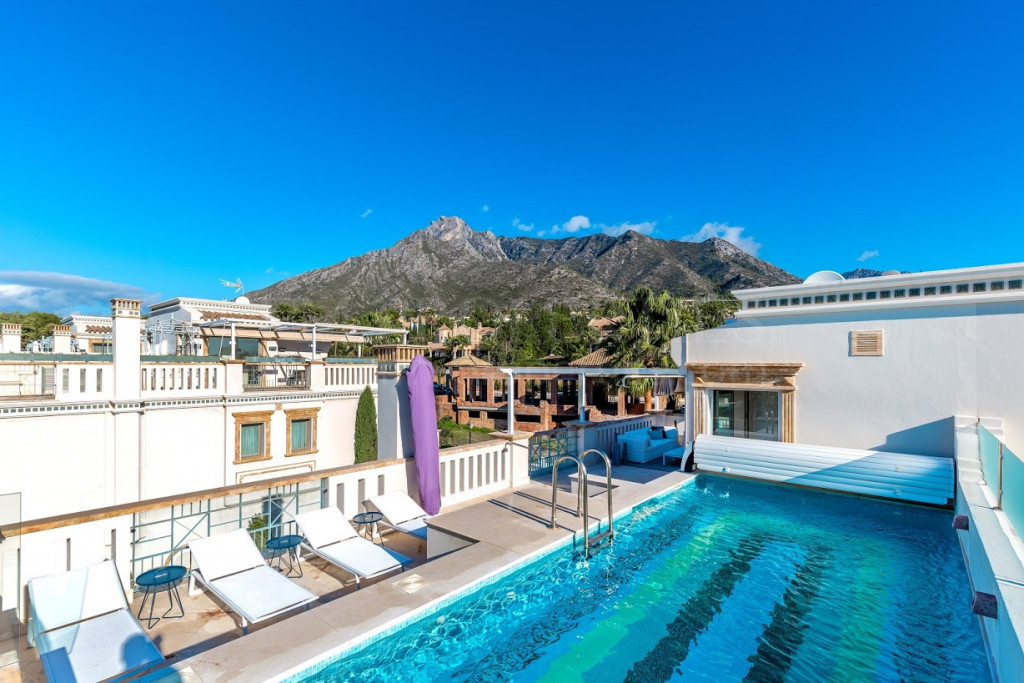 Marbella, MARBELLA HOME WITH A PRIVATE ROOFTOP TERRACE WITH POOL AND SEA VIEWS!