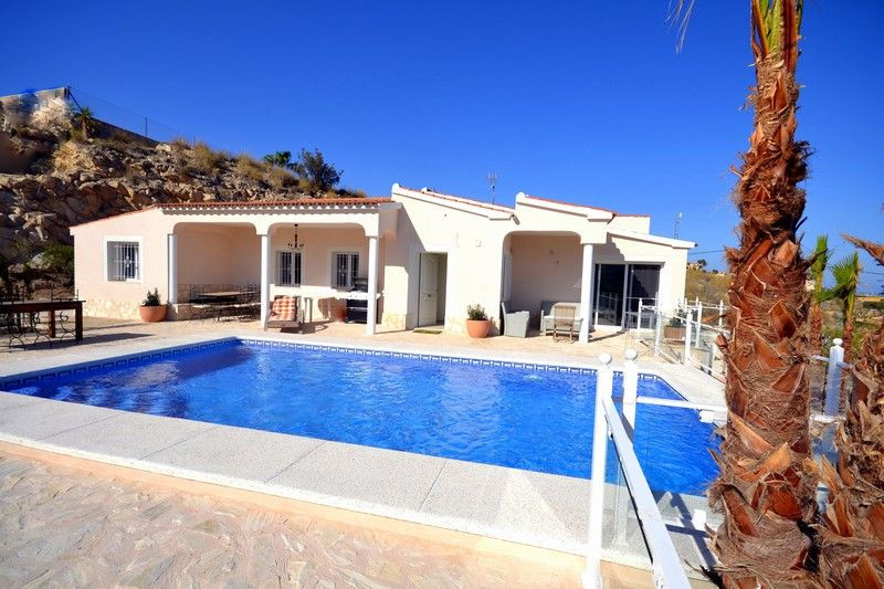 El Campello, Modern luxury Villa recently refurbished en Coveta Fuma El Campello