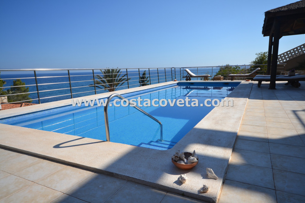 El Campello, Luxury, privacy and elegance on the front line of the Mediterranean at la Coveta Fuma