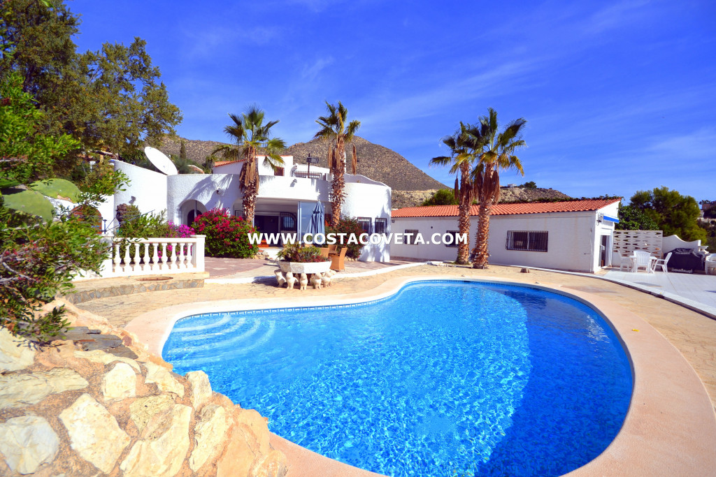 Ibiza style property consisting of 2 independent houses with pool in la Coveta Fuma
