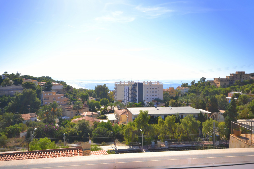 Detached fully refurbished property with wonderful Mediterranean views