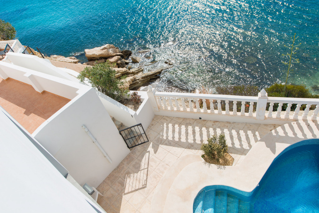 Beach villa with pool and the most spectacular sea views