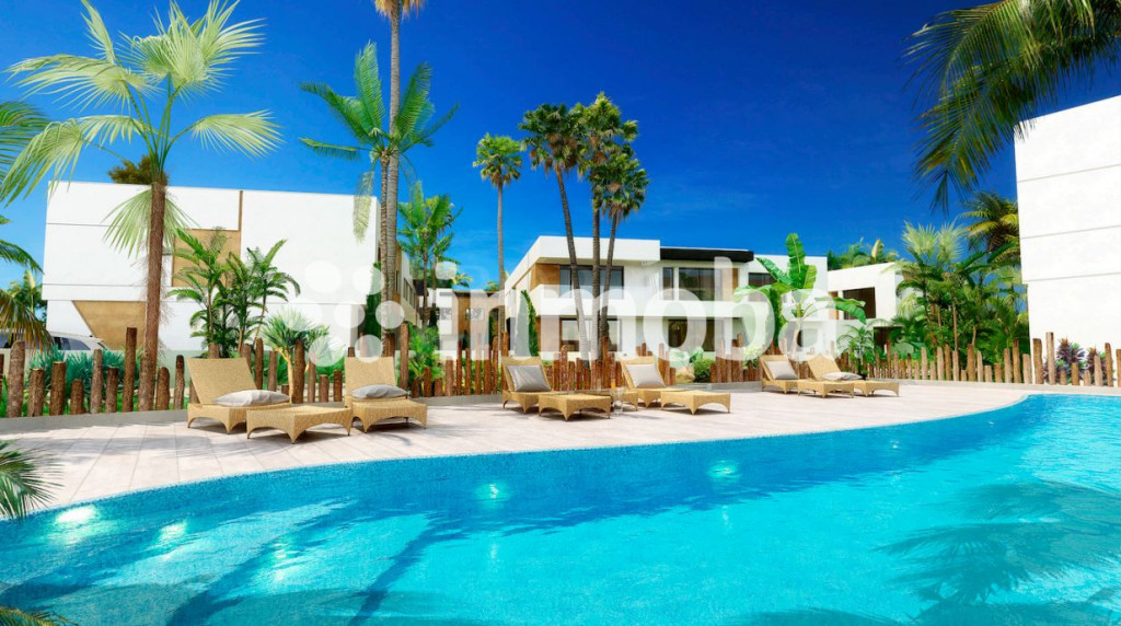 Nueva Andalucia, 28 Luxury Townhouses walking distance to Puerto Banus