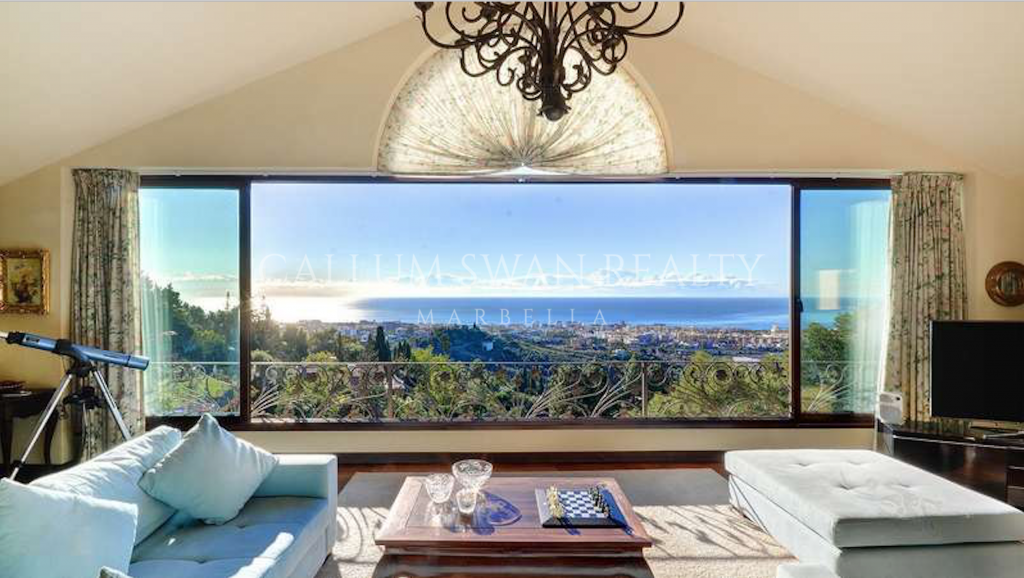 Marbella, Stunning sea views from this family villa in Marbella