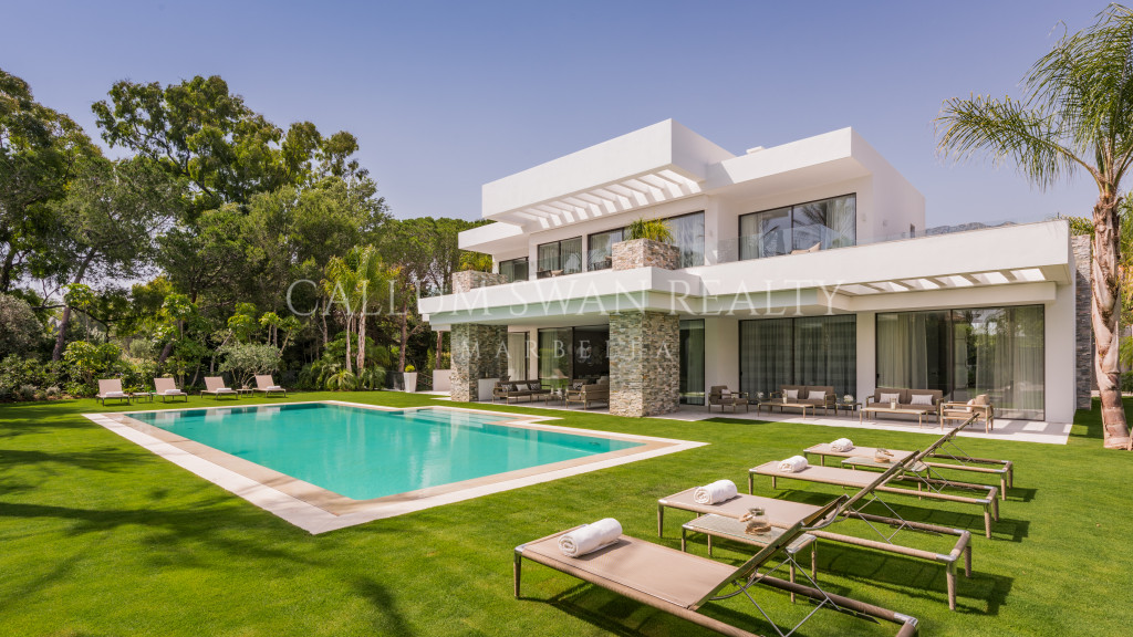 Marbella Golden Mile, Exquisite Newly Built Villa in the Marbella Club close to the beach
