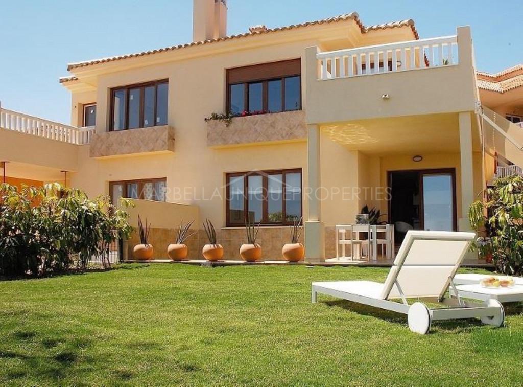 Preciosa villa pareada con 3 dormitorios en La Reserva del Higuerón
