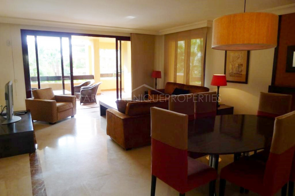 3 bedroom beachfront apartment in San Pedro Playa