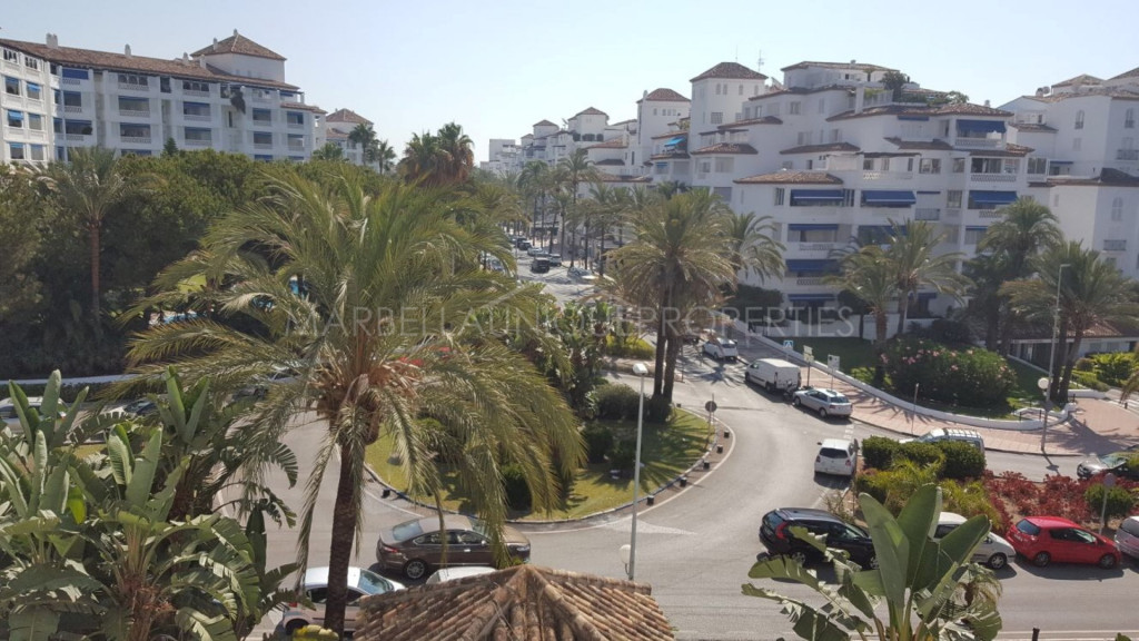 Un fantástico apartmento de 3 dormitorios en Medina Gardens, Puerto Banus