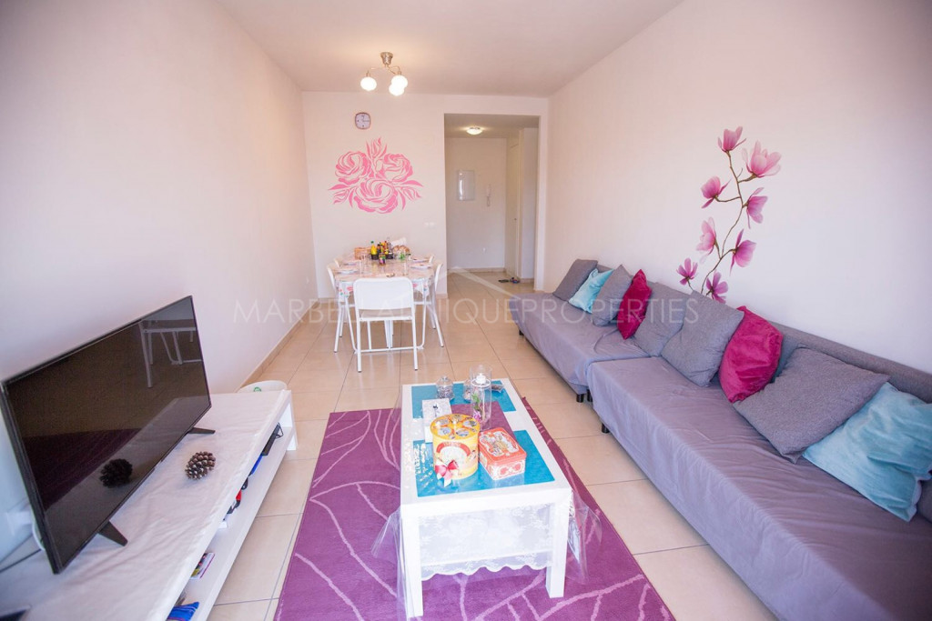Un apartmento moderno con 3 dormitorios en Albatross 21, Nueva Andalucia