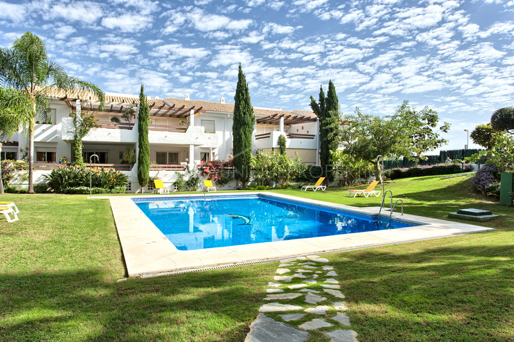 Beautiful two bedroom penthouse apartment in Selwo Hills, Estepona