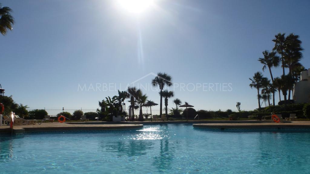 Spectacular beachfront duplex penthouse with stunning views in Ventura del Mar