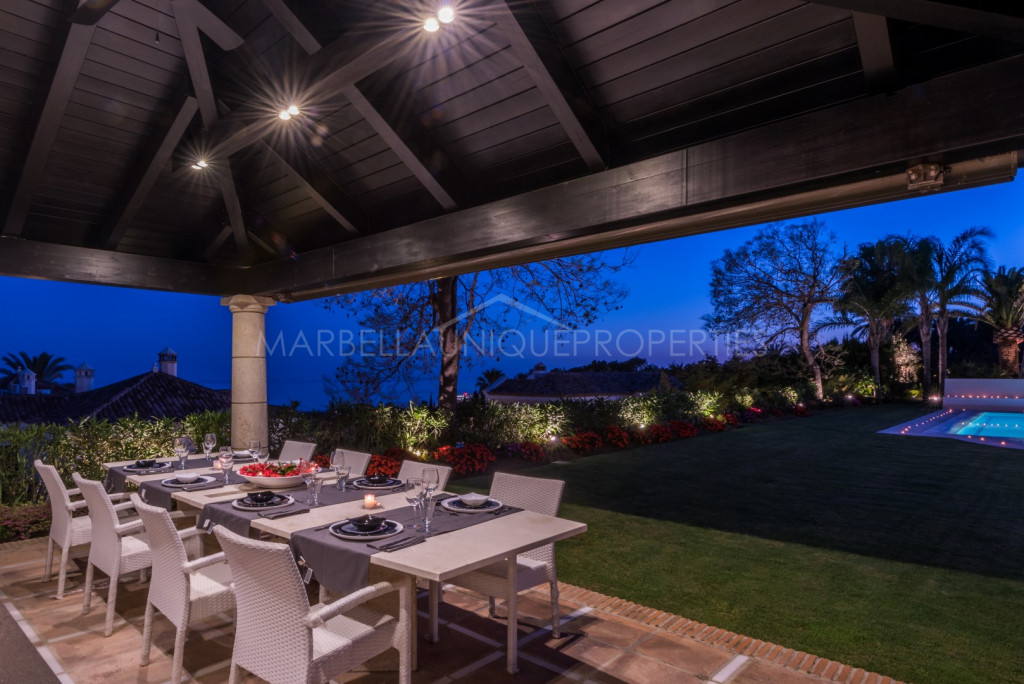 A spectacular recently renovated villa in Sierra Blanca
