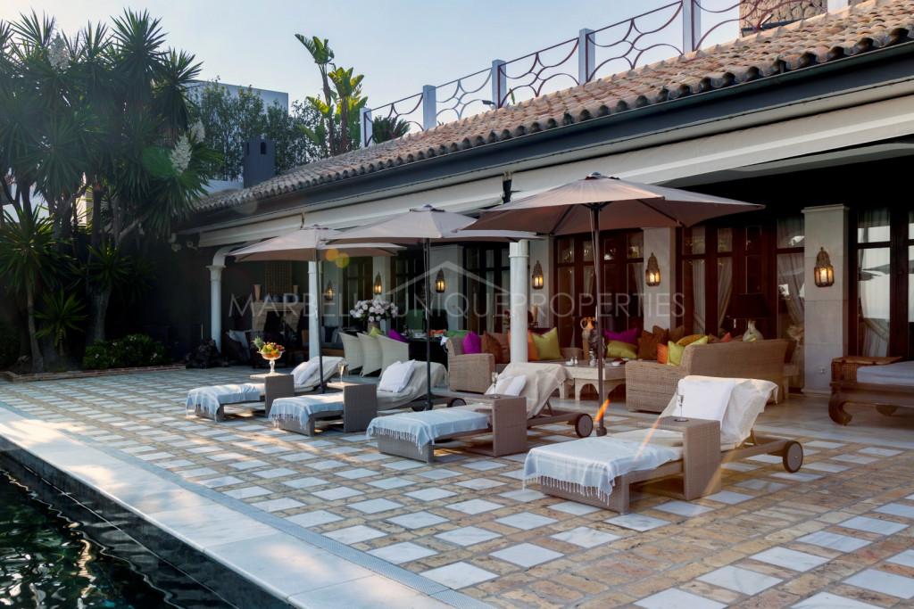 A spectacular frontline beach villa in Los Monteros Playa