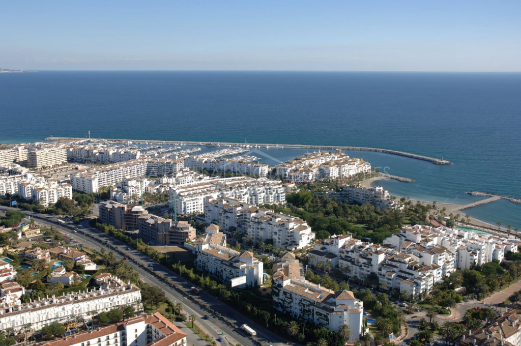 An ideal business premises in the heart of Puerto Banus