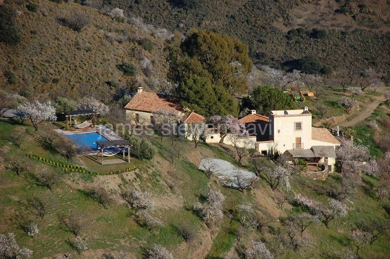 Granada, Wonderfully restored old rustic country property.