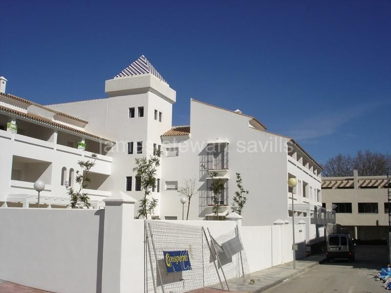 Guadiaro, 2 bedroom apartment walking distance from Pueblo Nuevo de Guadiaro